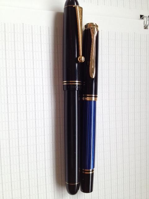 スーベレーンm400青縞とカスタム67大きさ比較