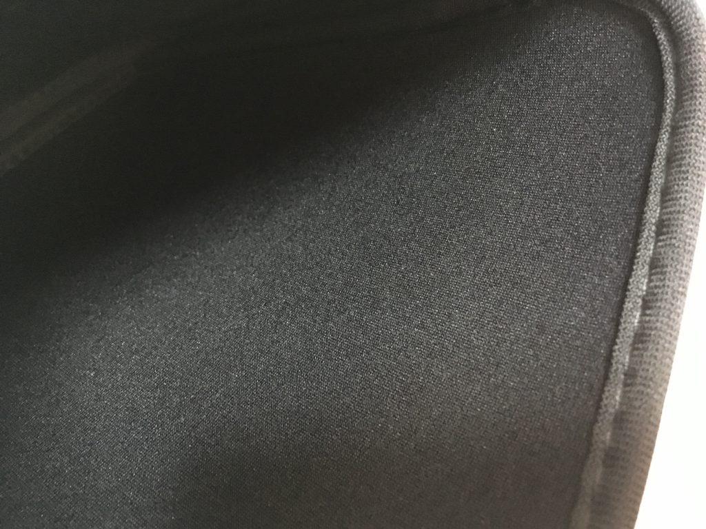 アネモネタブレットケース材質